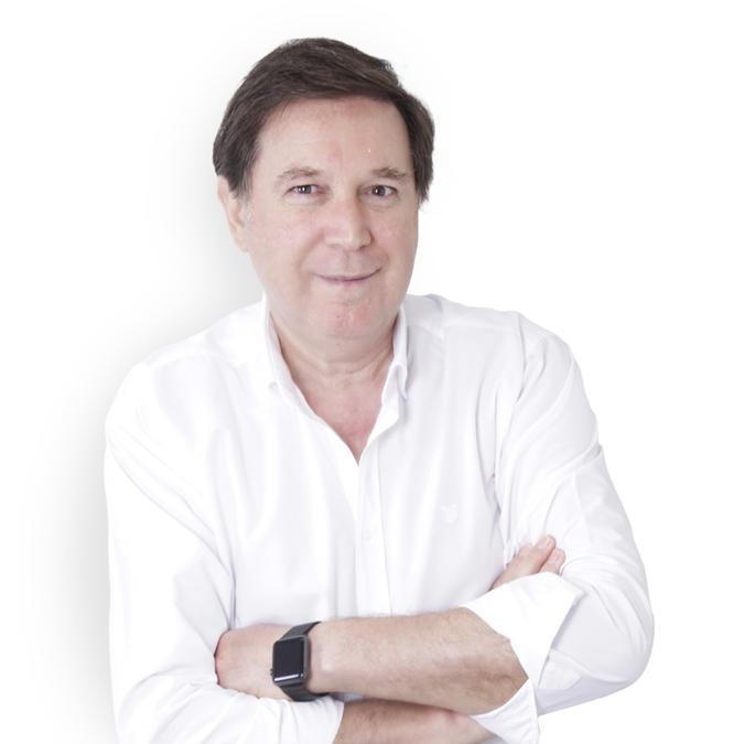 Dr. Agustín Cabello Dentista en Puente Genil