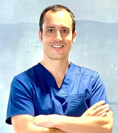 Doctor juan Gonzalez dentista en aluche